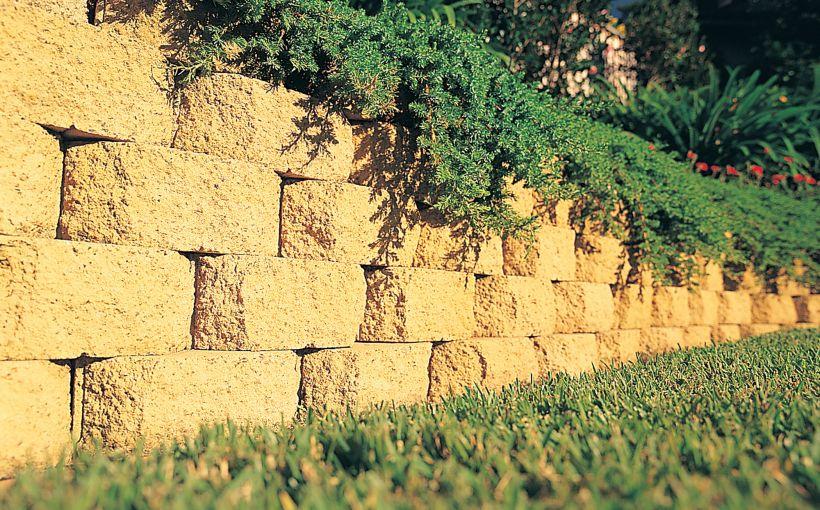 GARDEN WALL - Boral Retaining Wall Sale